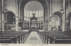 PBK-4624 Interieur van de Sint-Elisabethkerk aan de Mathenesserlaan in de richting van het hoofdaltaar, onder het ...