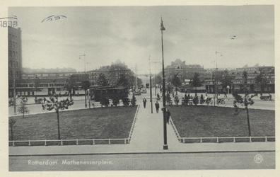 PBK-4625 Mathenesserplein vanuit het oosten, in de richting van de Mathenesserbrug.