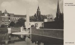 PBK-4736 Het monument van G.J. de Jongh in het Museumpark. Op de achtergrond de Nieuwe Zuiderkerk en de ...
