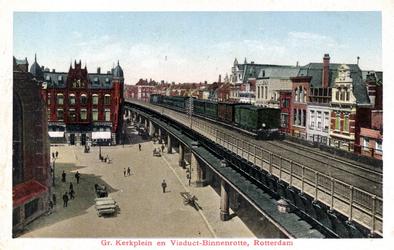 PBK-482 Het spoorwegviaduct langs de Binnenrotte, ter hoogte van het Grotekerkplein, uit het zuiden gezien.