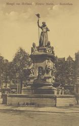 PBK-4875 Gezicht op het monument Maagd van Holland aan de Nieuwemarkt, uit het westen.