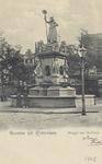 PBK-4880 Het monument Maagd van Holland aan de Nieuwemarkt.
