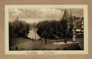 PBK-4946 Gezicht op de Noordsingel, vanaf de Hofdijk.