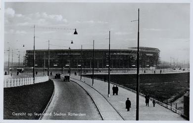 PBK-5021 Het Feyenoord Stadion aan de Olympiaweg, gezien uit het westen