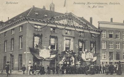 PBK-5124 Versiering van de Marinierskazerne aan het Oostplein, tijdens de Oranjefeesten op 14 mei 1909, ter gelegenheid ...