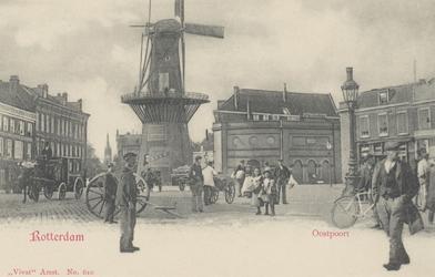 PBK-5147 Oostplein met molen De Noord, uit het zuiden, vanaf Oostmolenwerf