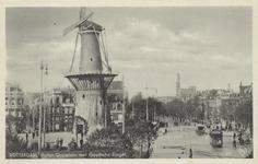PBK-5159 Molen de Noord aan het Oostplein. Links het Achterklooster en rechts de Goudsesingel, uit het oosten.