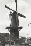 PBK-5168 Molen De Noord aan het Oostplein. Rechts de hoek van de Goudsesingel, uit het zuidoosten.