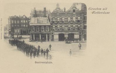 PBK-5188 Een groep mariniers marcheert op het Oostplein.