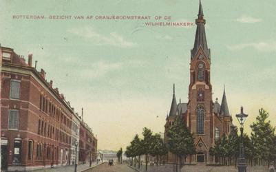 PBK-5254 Persoonsstraat met rechts de Wilhelminakerk aan de Oranjeboomstraat.
