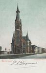 PBK-5261 Het frontaanzicht van de Wilhelminakerk aan de Oranjeboomstraat, uit het noordwesten gezien. Links de ...