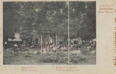 PBK-5292 De achterzijde van Jardin Rozenburg met grote en lommerrrijke tuinen aan de Oudedijk.