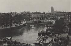 PBK-5303 Oudehaven, uit het zuiden gezien. Rechts de Spaansekade, links de Geldersekade en op de achtergrond Plan C.