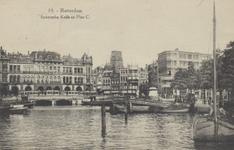 PBK-5329 Oudehaven, vanaf de Koningsbrug in de richting van de Oudehavenkade. Rechts de Spaansekade.