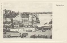 PBK-5352 Oudehaven met op de achtergrond het Oudehoofd en de Oosterkade, vanuit het westen. Op de voorgrond het ...