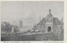 PBK-5367 Oudehaven met de Ooster Oude Hoofdpoort bij de Geldersekade, uit het zuiden. Op de achtergrond de toren van de ...