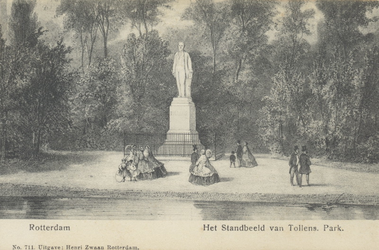 PBK-5506 Het standbeeld van H. Tollens in het Park aan de Westzeedijk.