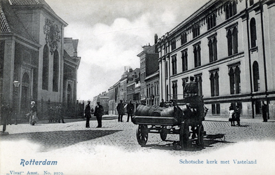 PBK-559 Gezicht op het Vasteland. Links de Schotsekerk, aan de overzijde het Stadsarmhuis.