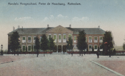 PBK-5660 Het gebouw van de Handelshogeschool aan de Pieter de Hoochweg.