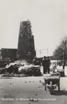 PBK-5782 Gezicht op de door het Duitse bombardement van 14 mei 1940 getroffen Pompenburgsingel met op de achtergrond de ...