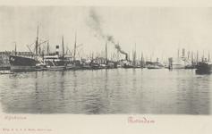 PBK-6005 Diverse schepen voor overslag van goederen in de Rijnhaven.