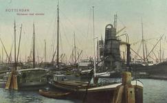 PBK-6026 Overslag van goederen bij schepen in de Rijnhaven