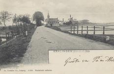 PBK-6068 Schaardijk, vanuit het zuidwesten. Links onderaan de dijk het houten bruggetje van het Toepad. Eigenlijk ...