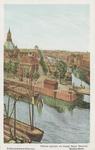 PBK-6094 Leuvehaven met rechts de Scheluwebrug en daarachter de Scheepmakershaven, de Rederijbrug en het Witte Huis. ...