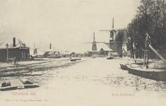 PBK-6123 Houtzaagmolens van de firma Van Stolk aan de noordzijde van de Rotterdamse Schie. Van links naar rechts: De ...