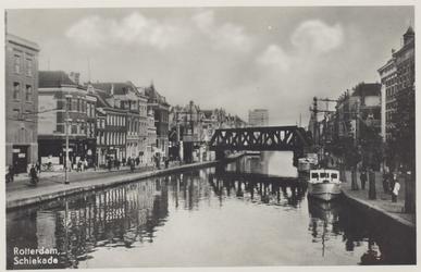 PBK-6243 Schiekade, vanuit het zuiden, vanaf de Schiebrug. Links het begin van de Delftsestraat.