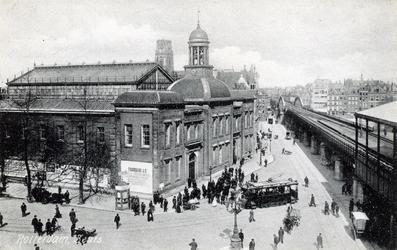 PBK-627 Beursplein met het Beursgebouw vanuit het zuidwesten, rechts station Beurs.