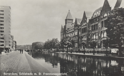 PBK-6289 Schiekade, uit het zuiden, vanaf het Hofplein. Rechts het Sint Franciscus Gasthuis.