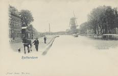 PBK-6308 Schiekade ter hoogte van de tol. Op de achtergrond molen de Vlaggeman aan de Vlaggemanskade.