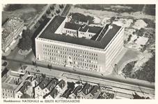 PBK-6345 Overzicht van het bankgebouw van de Nationale Levensverzekering-Bank en de N.V. Eerste Rotterdamsche ...