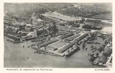 PBK-6385 Luchtopname van de Sint-Jobshaven met rechts de Parkhaven, vanuit het zuidoosten. Op de achtergrond de Coolhaven.