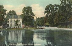 PBK-6412 Villa Rosarium aan de Slotlaan, gezien over de grote vijver.