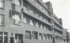 PBK-6420 De zijgevel van het Emmahuis, tehuis voor ouden van dagen van de Nederlandse Hervormde Diaconie aan de Van der ...