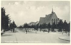 PBK-6785 Strevelsweg bij het Sandelingenplein, rechts de gereformeerde Sandelingepleinkerk, uit het oosten.