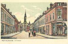 PBK-6831 De Tollensstraat, ter hoogte van de Noordmolenstraat. Op de achtergrond de gereformeerde Nieuwe Noorderkerk ...