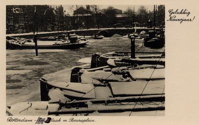 PBK-685 Kerstwens.Besneeuwde binnenvaartschepen op de Blaak. Op de achtergrond het Beursplein.