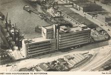 PBK-6904 Luchtopname van het HAKA-gebouw van de Coöperatieve Groothandelsvereeniging De Handelskamer, aan de ...