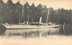 PBK-7092 Zeil-stoomboot aan de Westerkade, bij het Park.
