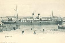 PBK-7106 Het Britse lijnschip ss Amsterdam van de Great Eastern Railway Company vertrekt van de Westerkade.