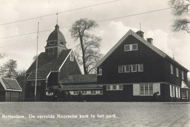 PBK-7281 De Noorse Kerk aan het Droogleever Fortuynplein, enkele meters verplaatst in verband met de bouw van de Maastunnel.