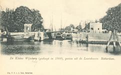 PBK-7549 De Kleine Wijnbrug tussen Wolfshoek en de Leuvehaven oostzijde.