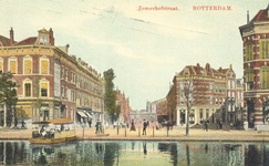 PBK-7661 De Zomerhofstraat en het Zomerhofplein uit het westen gezien, vanaf de Rotterdamse Schie, rechts de Bokelstraat.