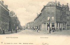 PBK-7663 Zomerhofstraat met op de voorgrond het Zomerhofplein uit het westen, vanaf de Rotterdamse Schie, rechts de ...