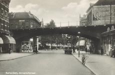PBK-7672 Zomerhofstraat bij het spoorwegviaduct en de Vijverhofstraat, uit het zuidwesten.