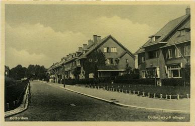 PBK-7808 Oudorpweg in de richting van de 's-Gravenweg.
