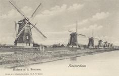 PBK-784 De watermolens aan de Boezem ( tegenwoordig Boezemlaan ), vanuit het zuidoosten.